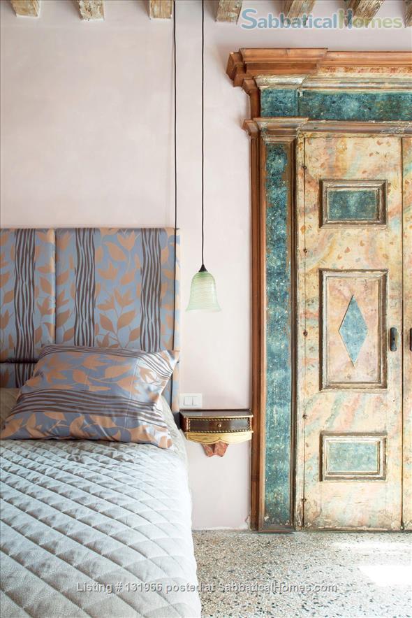 Scala Mata: Unique, Ancient and Homely Apartment near the Giardini Home Rental in Venezia, Veneto, Italy 1