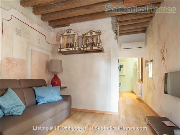 Scala Mata: Unique, Ancient and Homely Apartment near the Giardini Home Rental in Venezia, Veneto, Italy 2