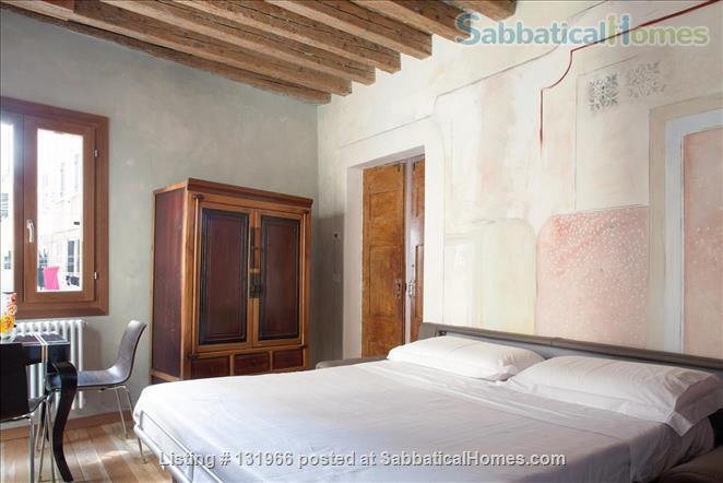 Scala Mata: Unique, Ancient and Homely Apartment near the Giardini Home Rental in Venezia, Veneto, Italy 4