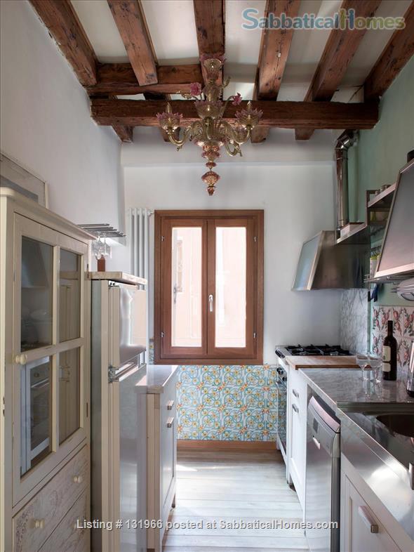 Scala Mata: Unique, Ancient and Homely Apartment near the Giardini Home Rental in Venezia, Veneto, Italy 5