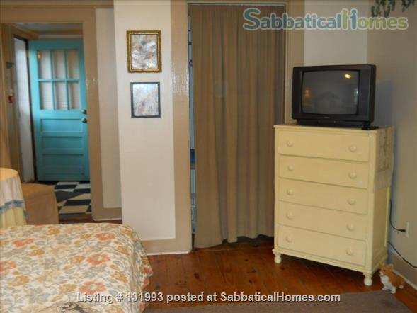 1BR w/ Den Apartment Available Close to Bus Stop and UNC Chapel HIll Home Rental in Chapel Hill, North Carolina, United States 5