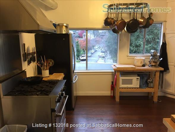Cozy, Quiet Home Just off of Bustling Piedmont Ave Home Rental in Oakland, California, United States 4