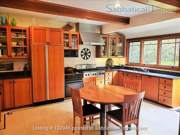 Gracious 4-bed Berkeley Craftsman furnished - UC Berkeley, College Av, BART Home Rental in Berkeley, California, United States 1