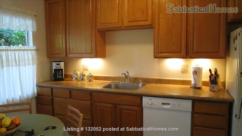 Clean & Convienient North Berkeley House by BART Home Rental in Berkeley, California, United States 2