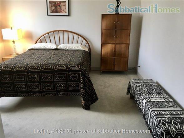 Modern Two Bedroom, Two Bath + Office Apartment W/24 Hr Front Desk Security Home Rental in Brooklyn, New York, United States 4
