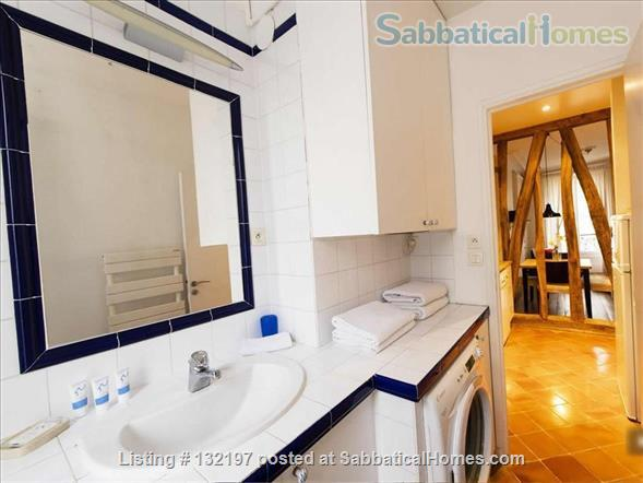 """A """"chic"""" apartment, only 2 blocks from Opera Bastille, 2 bedrooms. Home Rental in Paris, Île-de-France, France 7"""