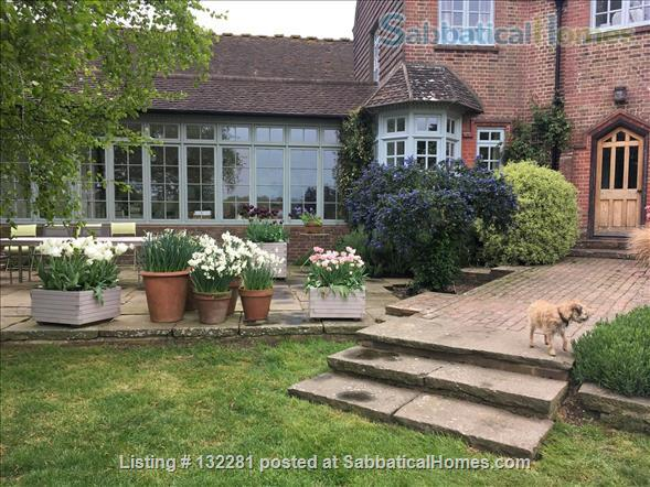 4 / 5 Bed  Rural home near Sussex University & Brighton - stunning  views Home Rental in Hurstpierpoint, England, United Kingdom 1