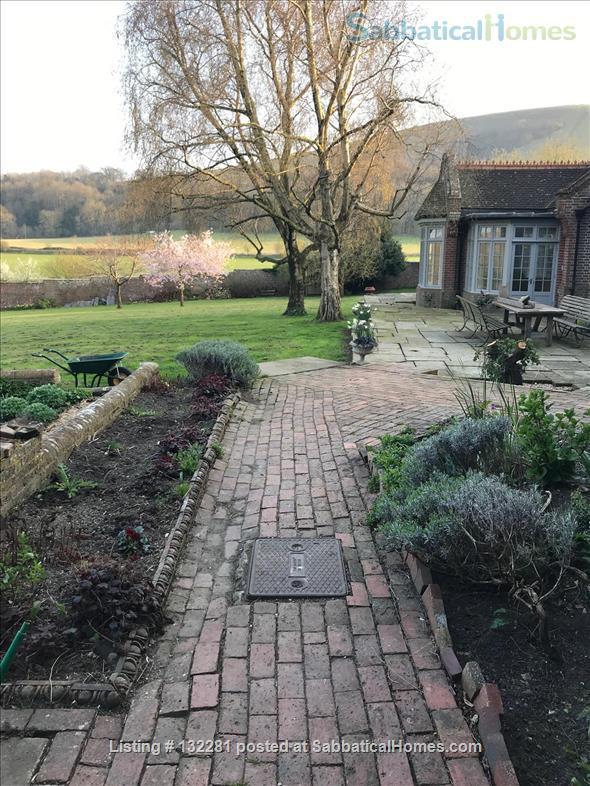 4 / 5 Bed  Rural home near Sussex University & Brighton - stunning  views Home Rental in Hurstpierpoint, England, United Kingdom 5