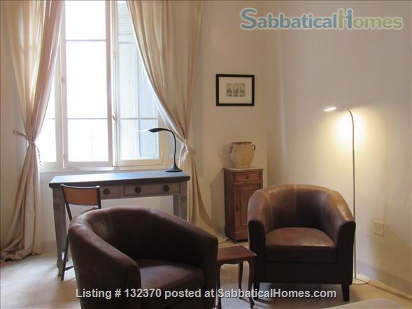 Sophisticated, Serene Provence Apartment in Vibrant Medieval Village.  Home Rental in L'Isle-sur-la-Sorgue, Provence-Alpes-Côte d'Azur, France 1