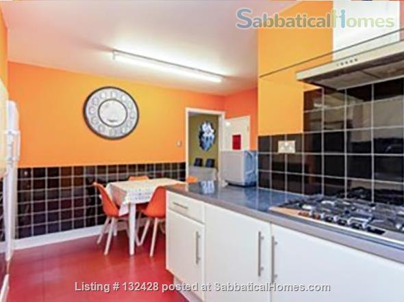 Spacious 2-bed flat with patio near University College London (Camden/King's X) Home Rental in Kings Cross, England, United Kingdom 3