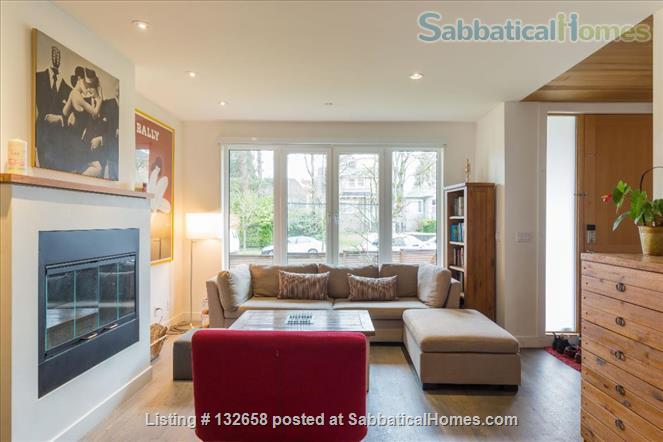 Stunning 5 BR West Coast home across from UBC Endowment Lands (pet-friendly) Home Rental in Vancouver, British Columbia, Canada 3