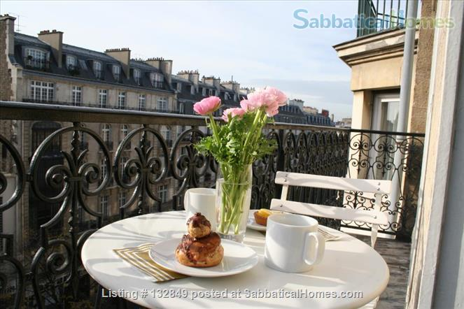 Bright sunny 1 bed apartment with balcony in the 11th Home Rental in Paris, Île-de-France, France 7