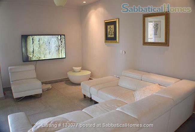 An elegant apartment in the heart of Tel Aviv Home Rental in Tel Aviv-Yafo, Tel Aviv District, Israel 6