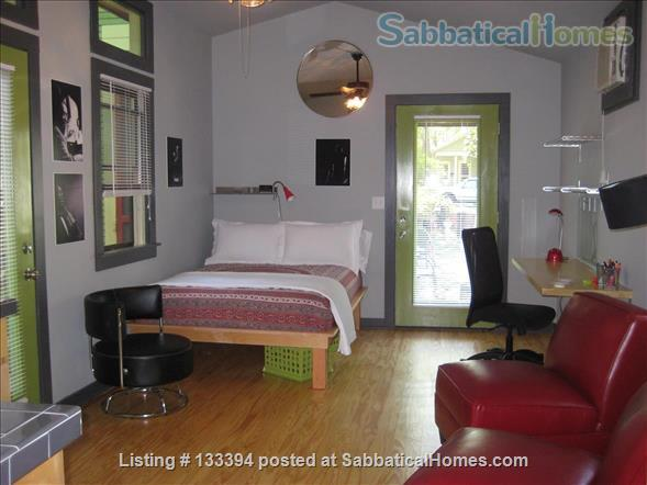 Modern Private Studio in Hyde Park near UT Home Rental in Austin, Texas, United States 2