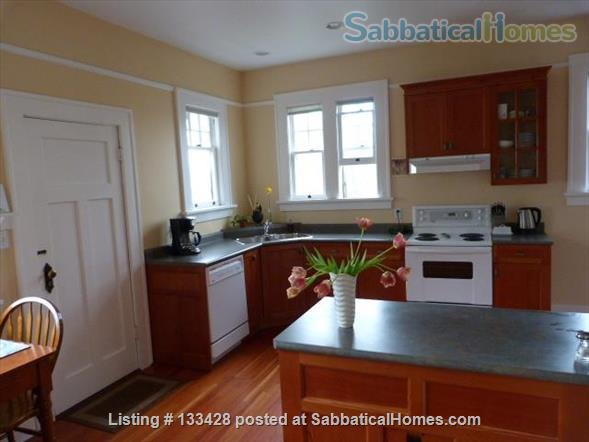 PARK PLACE-Fabulous Furnished Fairfield Home on the Park Home Rental in Victoria, British Columbia, Canada 3