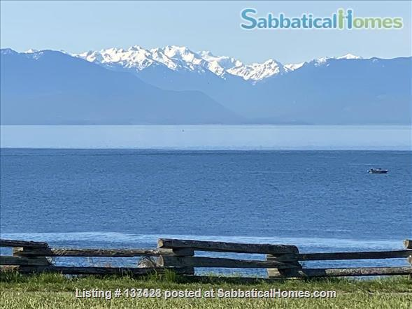 PARK PLACE-Fabulous Furnished Fairfield Home on the Park Home Rental in Victoria, British Columbia, Canada 8