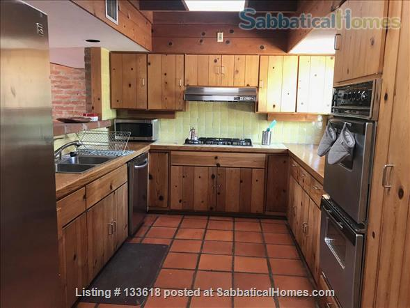 Foothills home surrounded by desert wildlife Home Rental in Tucson, Arizona, United States 3