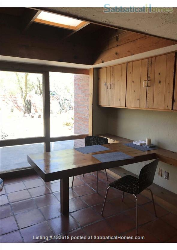 Foothills home surrounded by desert wildlife Home Rental in Tucson, Arizona, United States 4