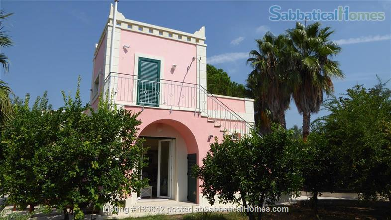 Beautiful villa in the green of Salento, peaceful and luxurious, with large pool Home Rental in Cutrofiano, Puglia, Italy 4