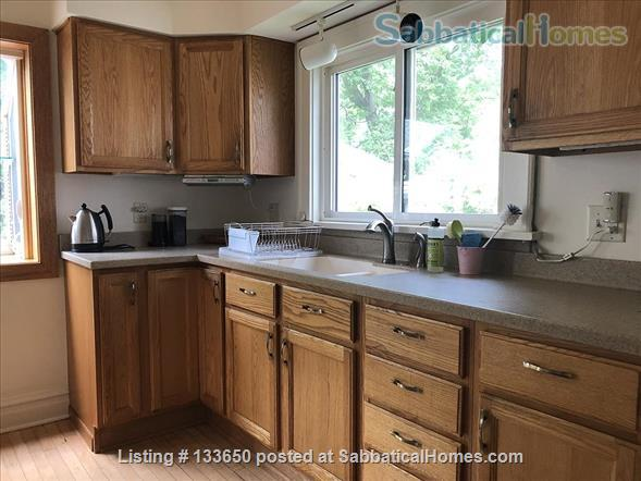 Sweet 2BD bungalow, near west side available JANUARY Home Rental in Madison, Wisconsin, United States 5