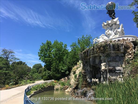Excellent location. No car needed. Overlooking the park in Beziers. Home Rental in Béziers, Occitanie, France 2