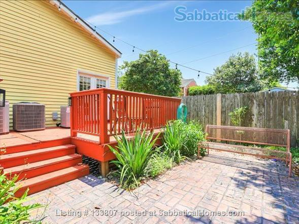 Uptown half-double off magazine street, near it all! Home Rental in New Orleans, Louisiana, United States 9