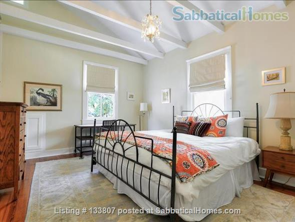Uptown half-double off magazine street, near it all! Home Rental in New Orleans, Louisiana, United States 5