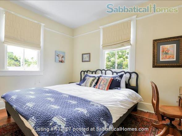 Uptown half-double off magazine street, near it all! Home Rental in New Orleans, Louisiana, United States 6