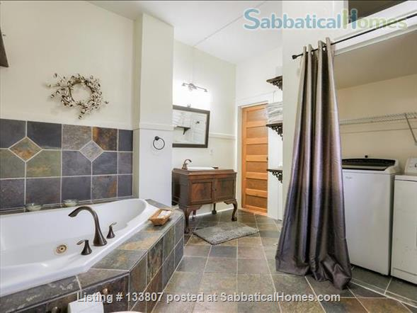 Uptown half-double off magazine street, near it all! Home Rental in New Orleans, Louisiana, United States 8