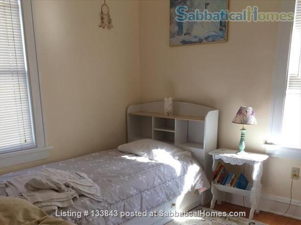 Adorable Bungalow 2 blocks from the lake on the Isthmus  Home Rental in Madison, Wisconsin, United States 9