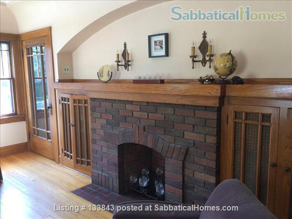 Adorable Bungalow 2 blocks from the lake on the Isthmus  Home Rental in Madison, Wisconsin, United States 1