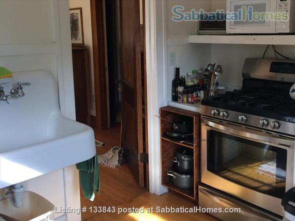 Adorable Bungalow 2 blocks from the lake on the Isthmus  Home Rental in Madison, Wisconsin, United States 6