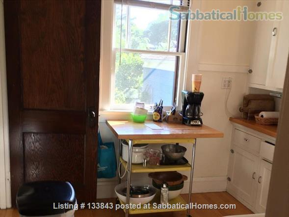 Adorable Bungalow 2 blocks from the lake on the Isthmus  Home Rental in Madison, Wisconsin, United States 7