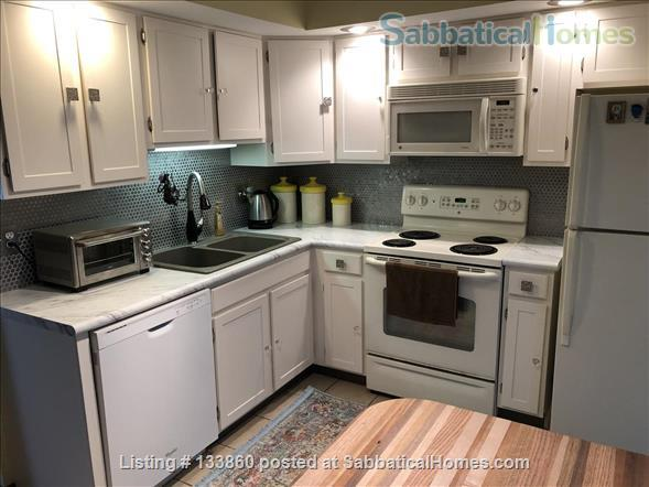 2 BR Townhouse Close to Penn State (Fully Furnished & Utilities Included) Home Rental in State College, Pennsylvania, United States 1