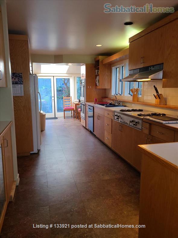 North Berkeley Hills Home Rental in Berkeley, California, United States 4