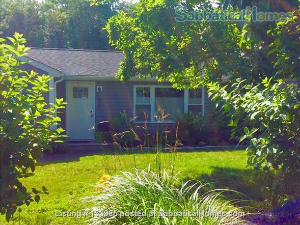 Mystic 3-bedroom retreat Home Rental in Groton, Connecticut, United States 1