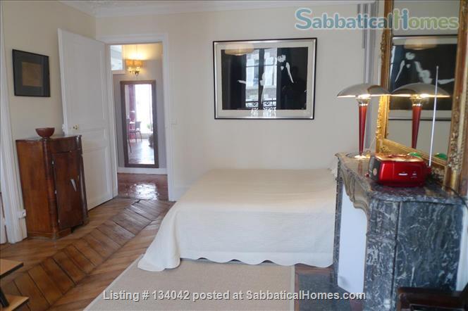 Large 2BR Apt – Elegant Decoration - Fully Refurbished - Calm Home Rental in Paris, Île-de-France, France 4
