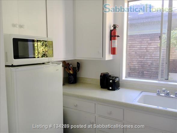 2 BEDROOM FURNISHED ELMWOOD APARTMENT $2650 Home Rental in Berkeley, California, United States 2