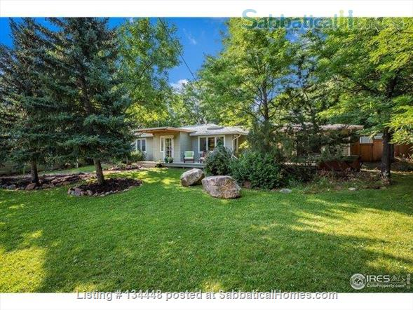 lovely 3-bedroom family home on huge lot at foothills for academic year Home Rental in Boulder, Colorado, United States 1