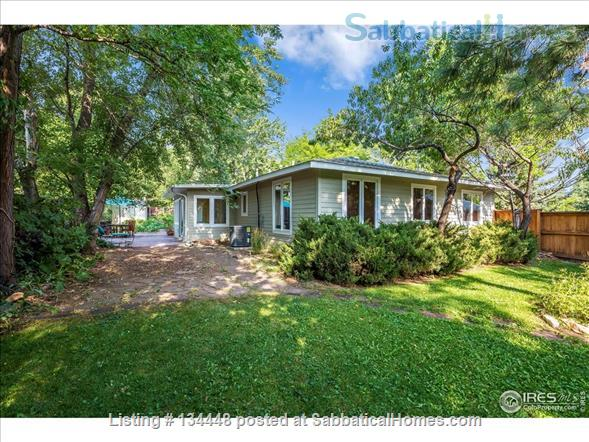 lovely 3-bedroom family home on huge lot at foothills for academic year Home Rental in Boulder, Colorado, United States 0