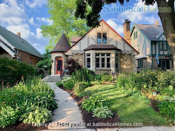 Historic Milwaukee Home Home Rental in Milwaukee, Wisconsin, United States 1