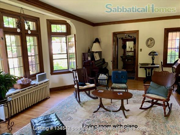 Historic Milwaukee Home Home Rental in Milwaukee, Wisconsin, United States 5