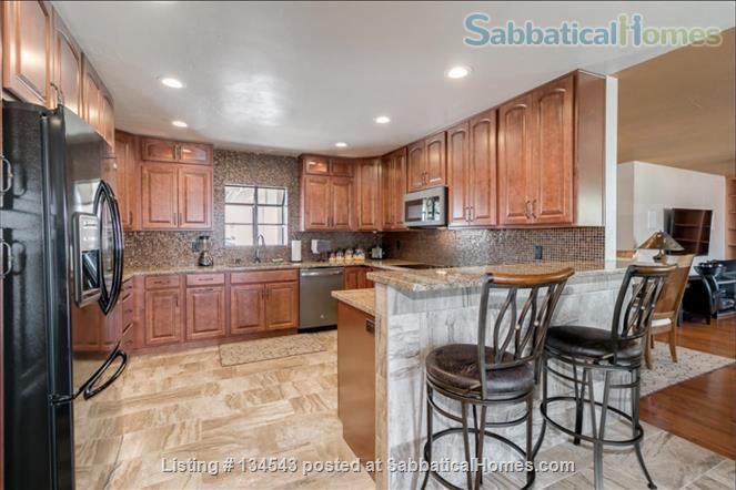 Exquisite Home with Pool near ASU Home Rental in Tempe, Arizona, United States 2