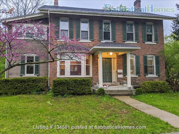 Historic colonial house in Old West Side  Home Rental in Ann Arbor, Michigan, United States 8