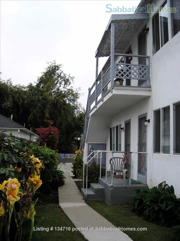 Santa Monica Quaint 1 bdrm, 1 bath apt in quiet 4-plex Home Rental in Santa Monica, California, United States 3