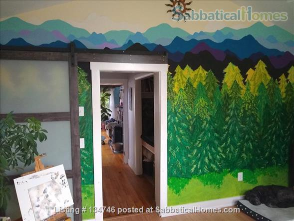Beautiful Artist Lakehouse Home Rental in Winthrop, Maine, United States 2