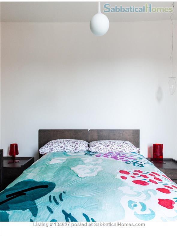 3 Bedroom Trinity Bellwoods - Toronto Home Rental in Toronto, Ontario, Canada 4