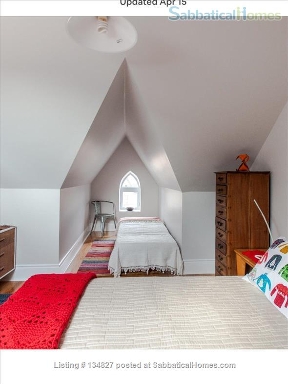3 Bedroom Trinity Bellwoods - Toronto Home Rental in Toronto, Ontario, Canada 6