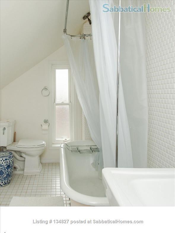 3 Bedroom Trinity Bellwoods - Toronto Home Rental in Toronto, Ontario, Canada 8