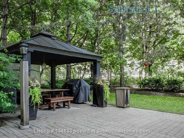 2+ BR Luxury Condo, Swansea/High Park, Humber River/Waterfront, TTC/Highway,Pet Friendly, Utilities, 1 Parking, 2 hours to Muskoka, Escape your home renovation Home Rental in Toronto, Ontario, Canada 6